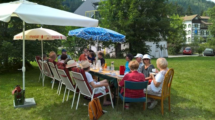 Der große Garten bietet Platz für Feste, Nutz- und Ziergartenbereiche. Foto: Claudia Ollenhauer