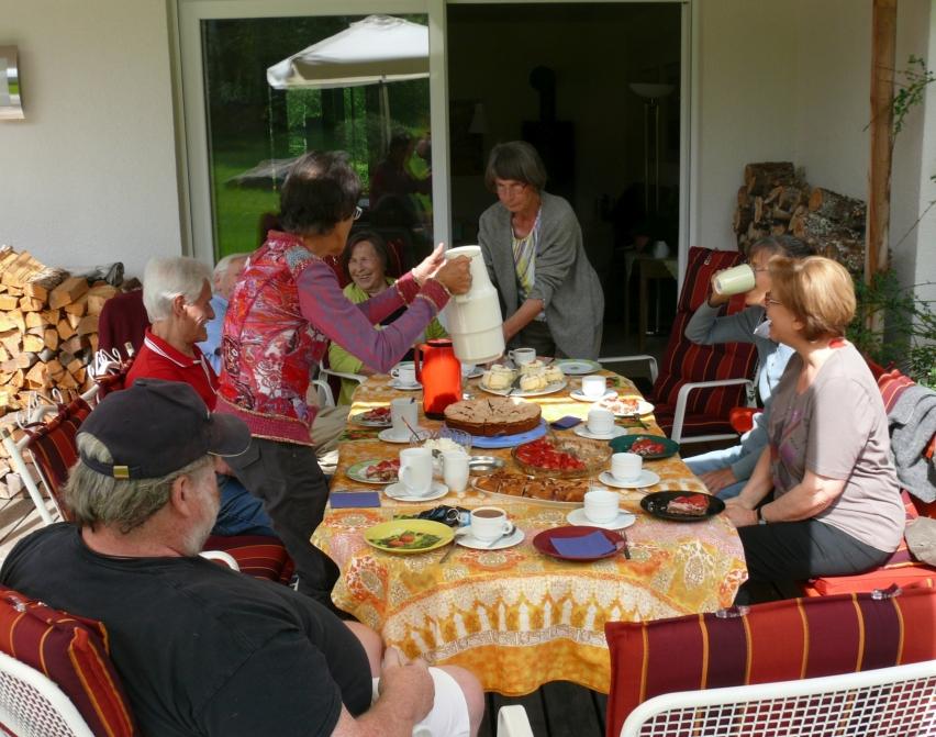 Gemütliche, zwanglose Treffen im Freundeskreis sind für die Gemeinschaft wichtig und typisch. Foto: Claudia Ollenhauer