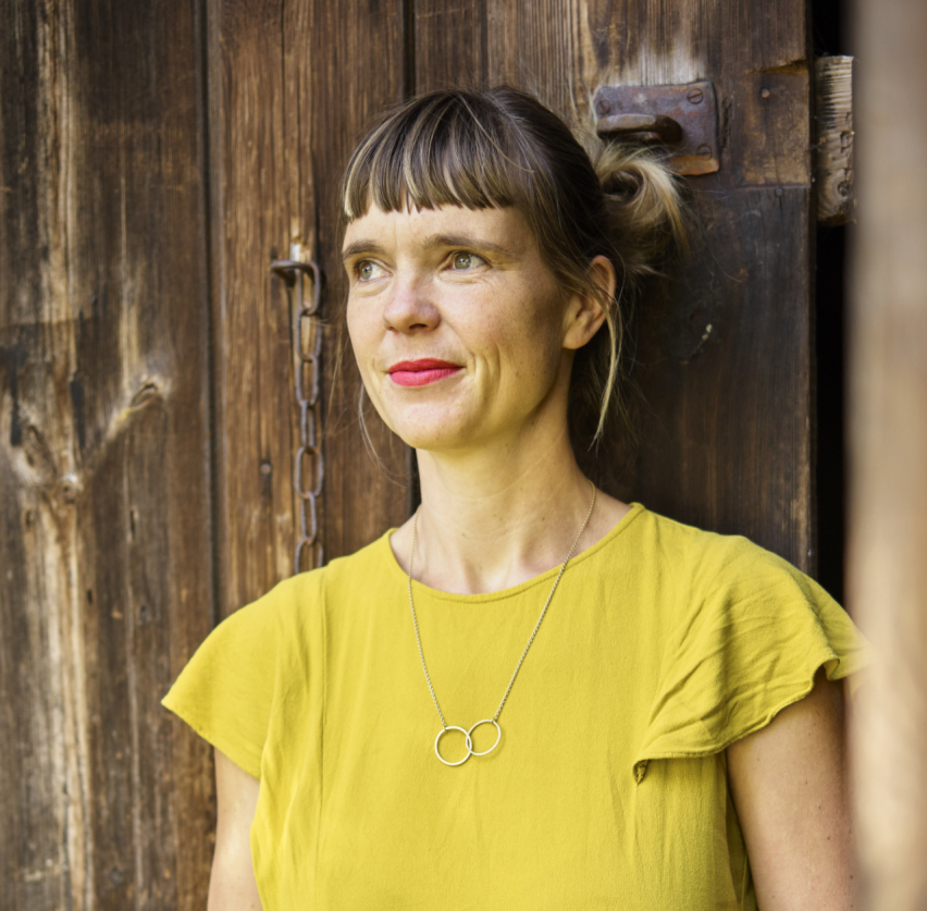 Julia Paaß im Zukunftsort Hof Prädikow - vorgestellt auf bring-together