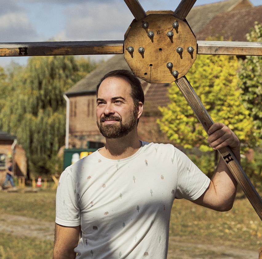 Philipp Hentschel im Zukunftsort Hof Prädikow - vorgestellt auf bring-together