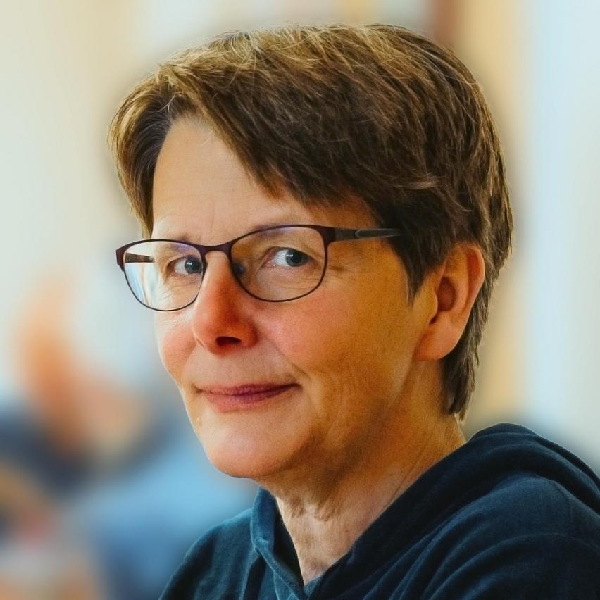 Eva Stützel vom Ökodorf Sieben Linden stellt sich bei bring-together vor