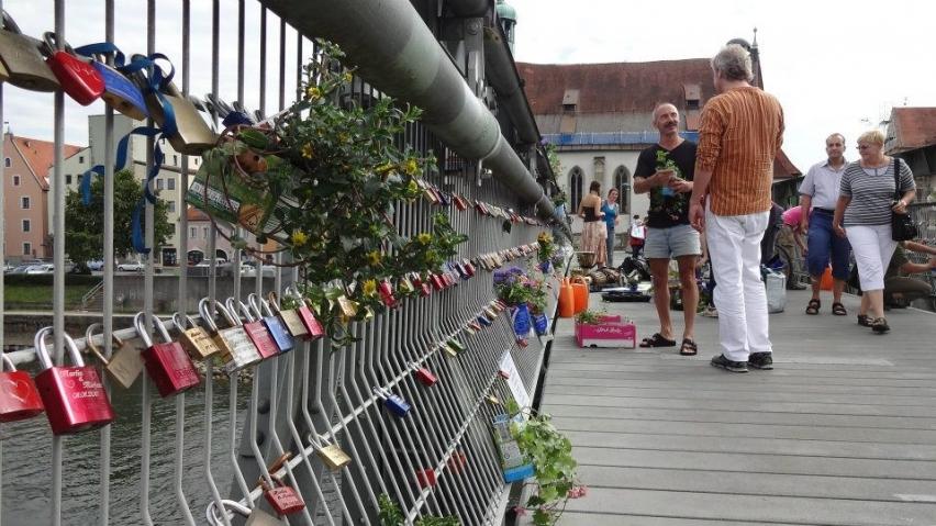 Fussgängerbrücke in Regensburg