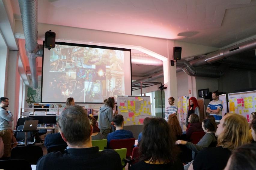 Am Ende des Workshops präsentierten die Gruppen ihre Ergebnisse anhand von Moodboards