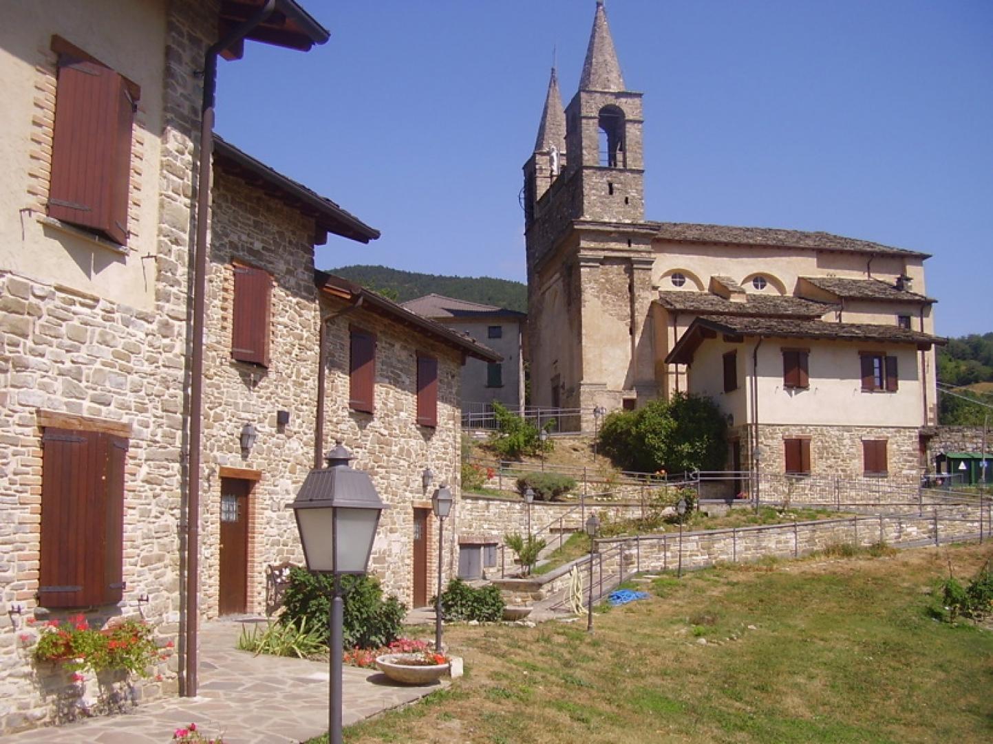 Foto:  Die Kirche von Tiedoli