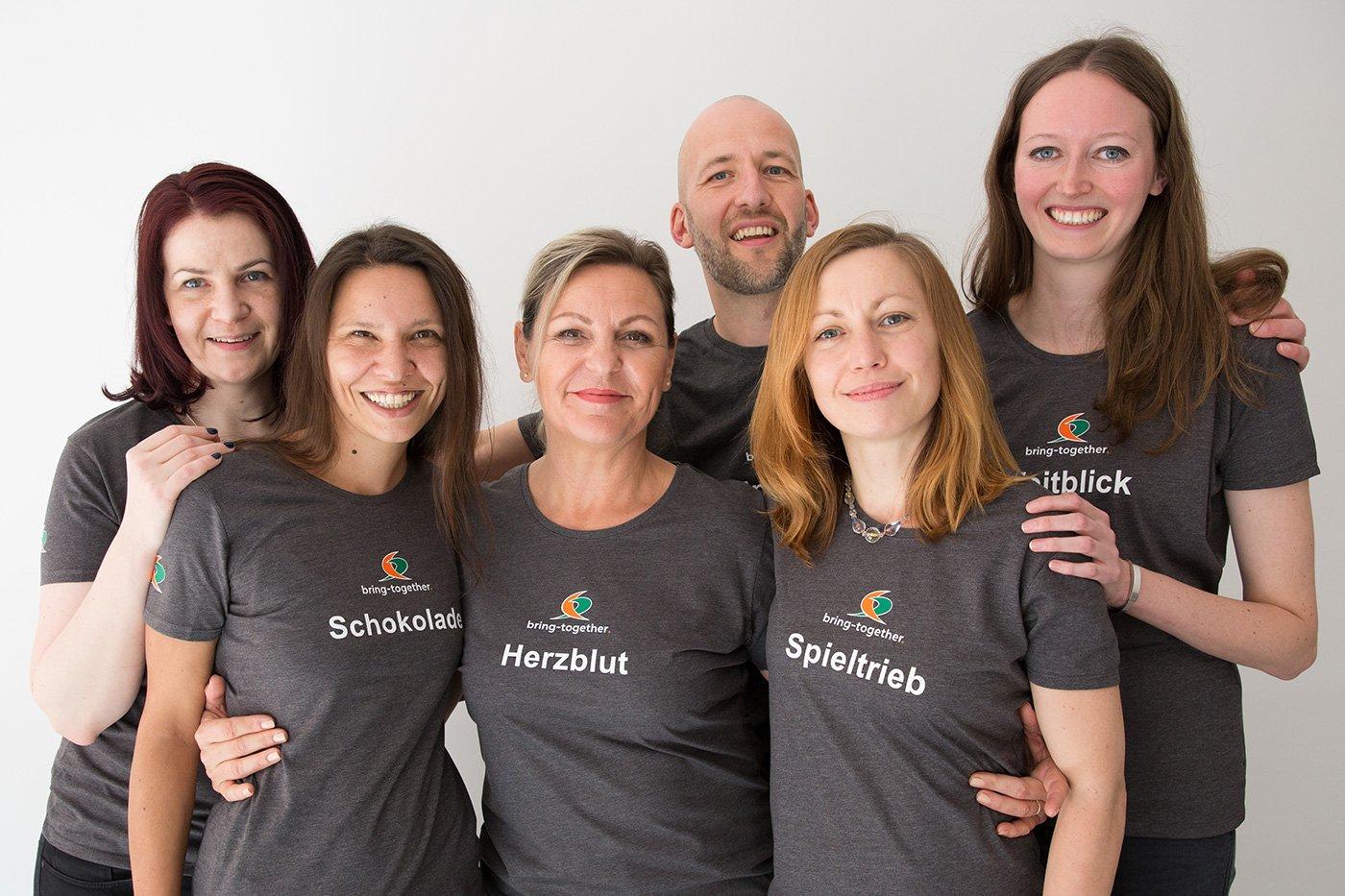 Team: Claudia Laßlop, Katrin Buchbinder, Karin Demming, Christoph Wieseke, Mary-Anne Kockel, Maria Baumert (v.l.) | Foto: Jasmina Meyer