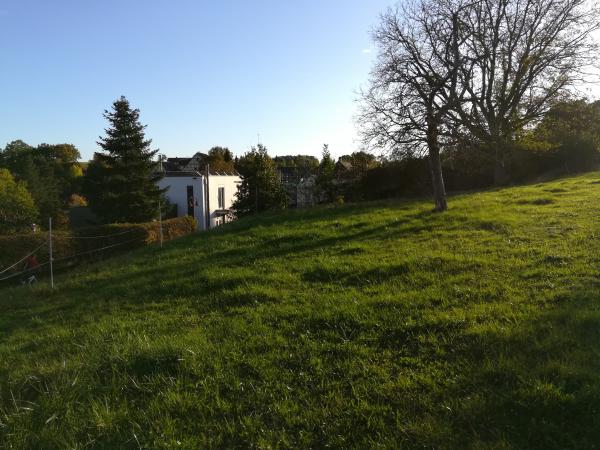 6 kleine Häuser bauen in kleinem Dorf bei Heilbronn