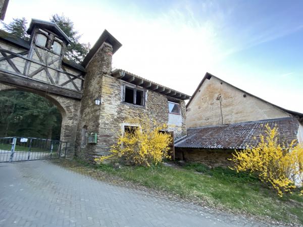 Nachhaltiges Gemeinsames wohnen im alten Kloster inkl. Tinyhouse Stellplätzen